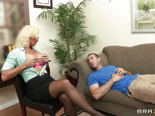 Секс с мамками с большой грудью