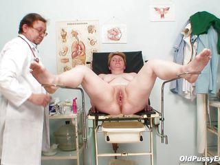 порно клизма у врача