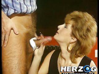 Зрелую жену ебут порно видео