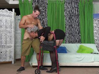 Грубое групповое гей порно