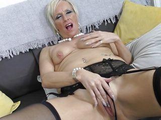 порно видео брюнетки секретарши